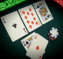 ufa เกมคาสิโนสด คือผู้เล่นจะได้นั่งเล่นอยู่กับดีลเลอร์หรือเจ้ามือ
